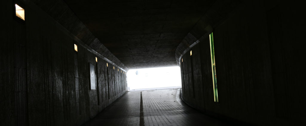 En mörk tunnel