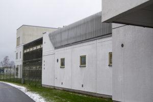 Utsidan av häktet i Karlstad.